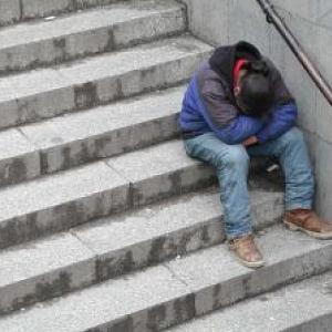 homeless_29767_562-1ad18329f24b6aa7090003e44ce59889.jpg
